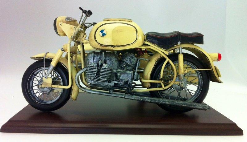 vanha moottoripyörä